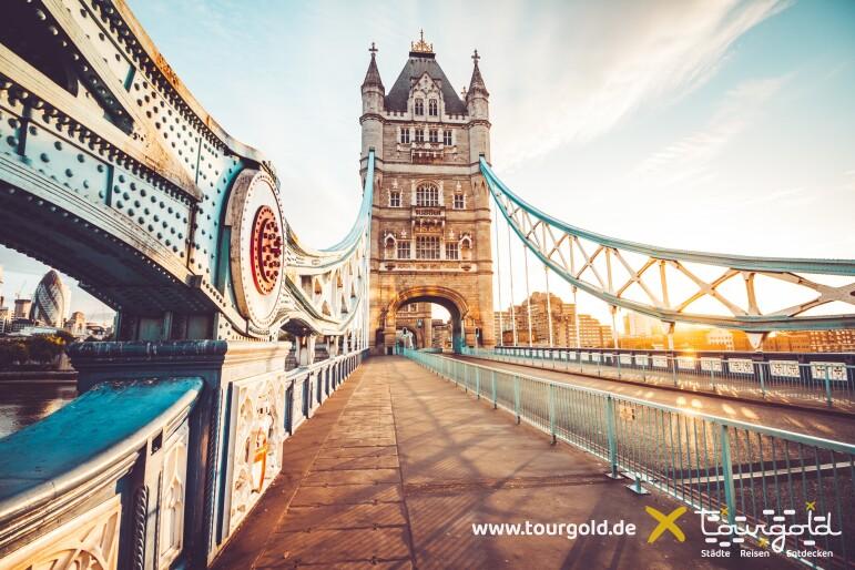 Busreise London Tower Bridge