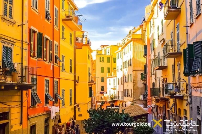 Busreise Italien Genua Cinque Terre Manarola Gassen