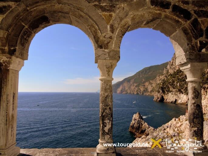 Busreise Italien Genua Cinque Terre Porto Venere Fenster