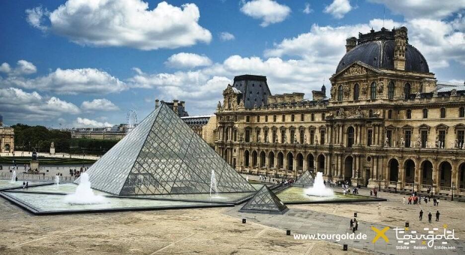 Highlight bei der Busreise Paris - Rundgang rund um den Louvre