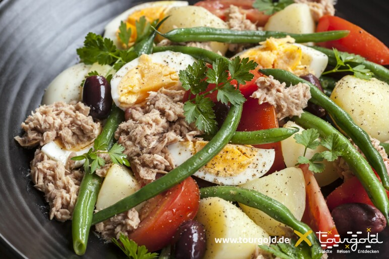 Typisch Essen in Nizza: Salade niçoise