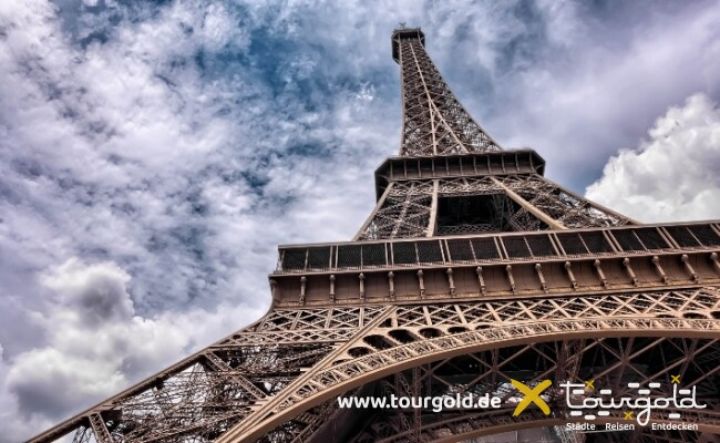 Darf bei der Busreise Paris nicht fehlen: Der Eiffelturm